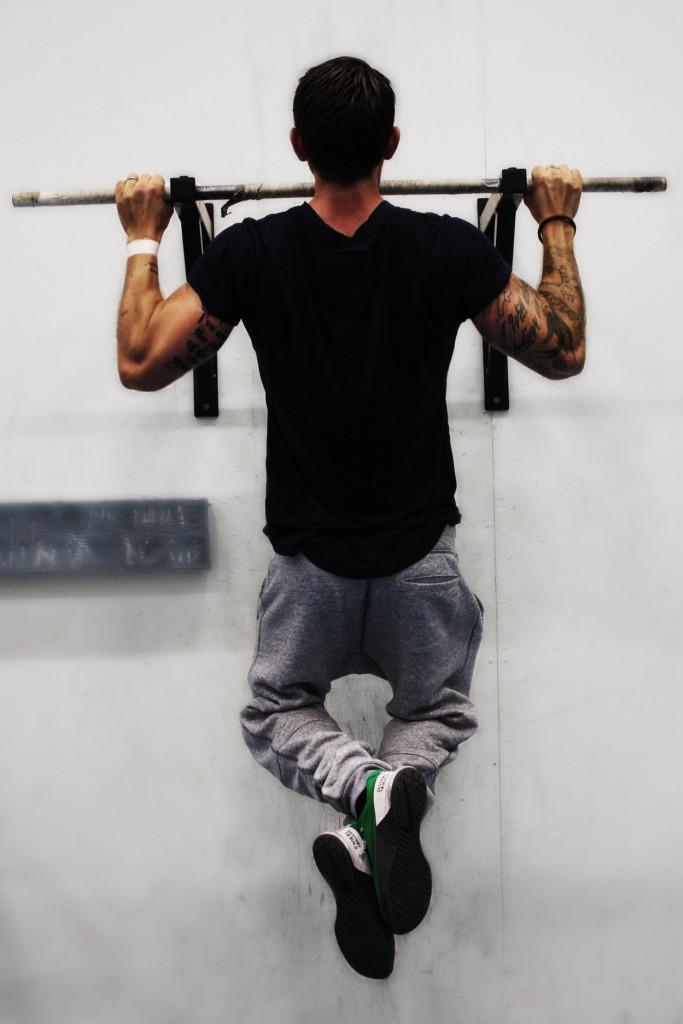 Efter 100 utförda chins finns det inte en enda muskelfiber i kroppen som inte längtar efter återhämtning.