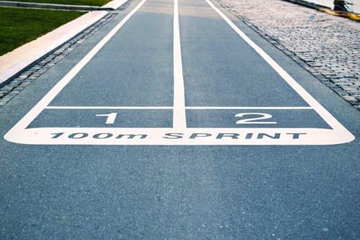Skippa, alt. komplettera, dina lågintensiva morgonpromenader med intervallbaserad träning för boostade resultat.