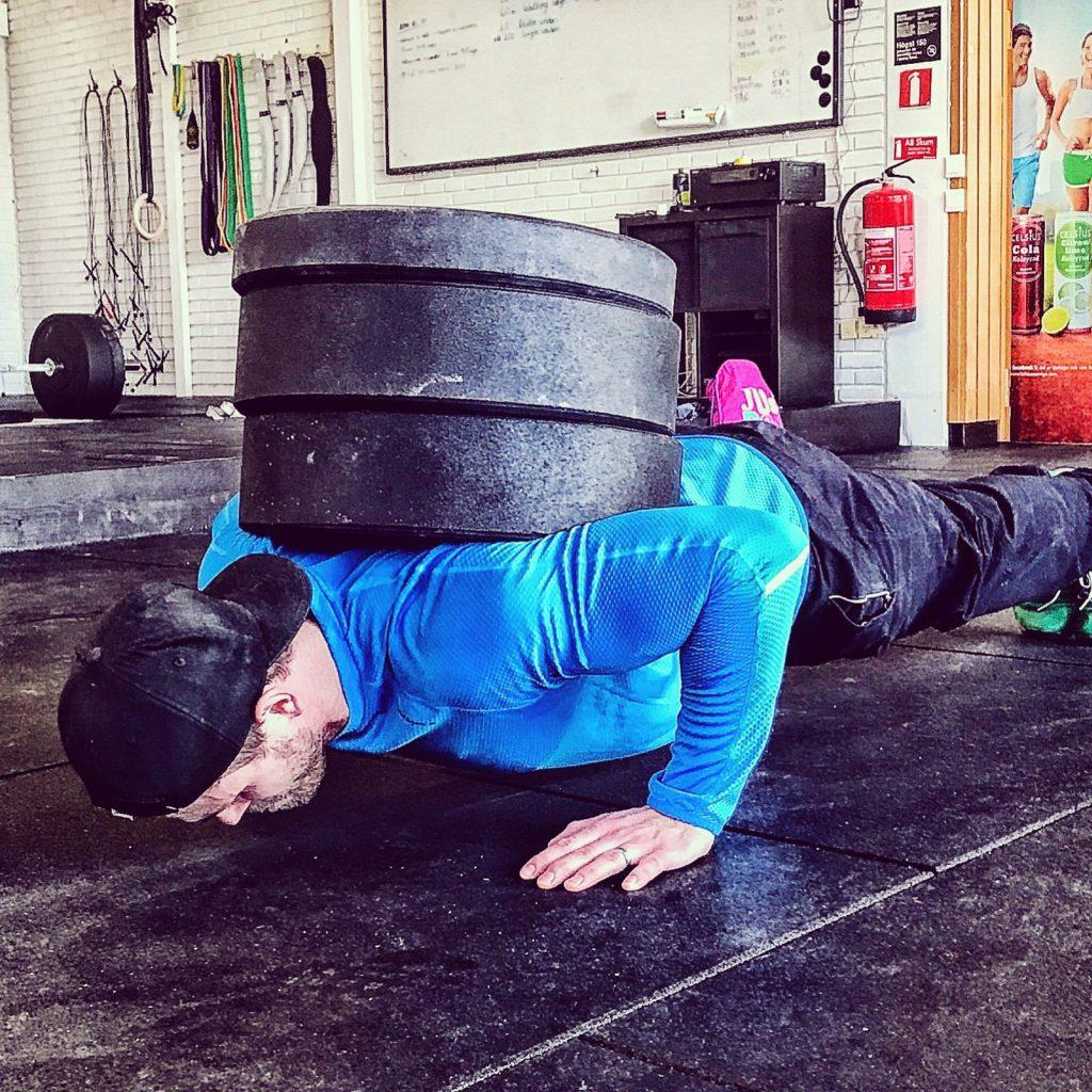 För träning inriktad mot ökad muskeltillväxt skördar du störst framgångar genom att belasta dina muskler med 6-12 repetitioner.