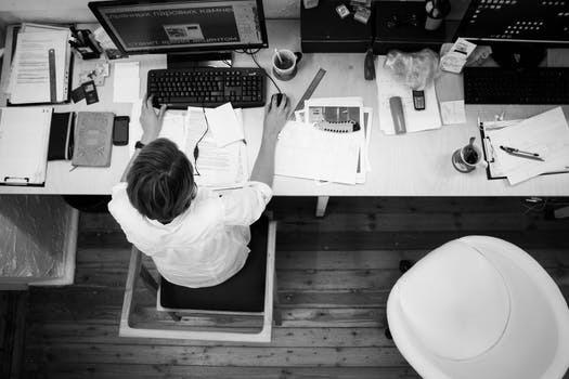 Tänk efter, hur många timmar i veckan av din vakna tid spenderar du egentligen sittandes?