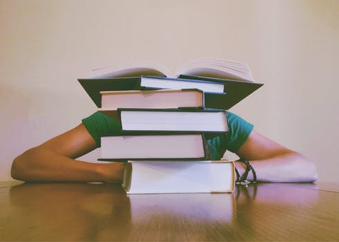 Jag sticker till gymmet direkt då jag är färdig med dessa böcker...Fel, fel, fel, fel - vänd på ordningen för bättre resultat.