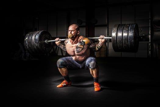 Älskar du gymmets benpressmaskin men avskyr knäböj? Då är det hög tid att variera dina träningsrutiner.