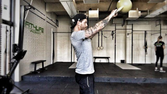 """KB-Swingar - en av övningarna som tveklöst kan benämnas som """"tidseffektiv""""."""