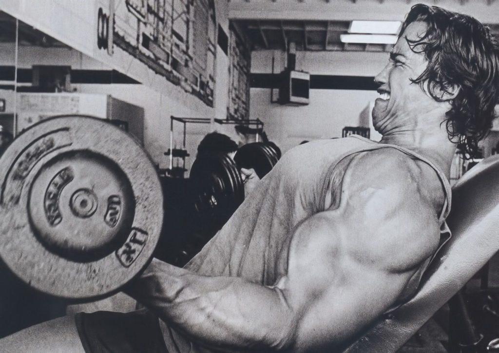 """""""Känn pumpen"""". Arnold har flertalet gånger uttalat sig om vikten kring pumpkänslan i sina muskler. Frågan är, känner du lika starkt?"""