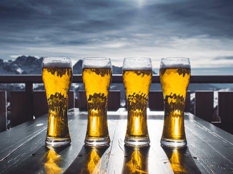 """""""Men ta en öl och slappna av som alla andra"""". Påminn dig själv om vems valet egentligen är och sluta tumma på din dröm."""