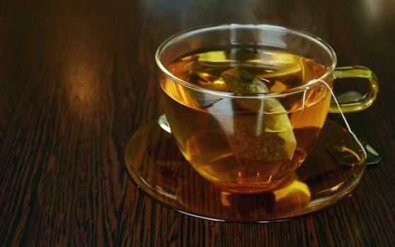 Förbränn 70 extra kalorier om dagen. Då måste du dock klunka upptill fem koppar grönt te.