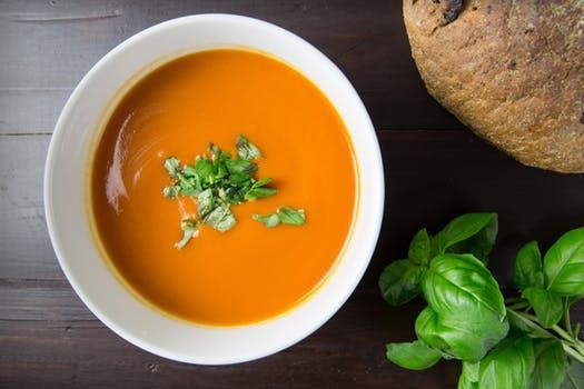 Välj omsorgsfullt. Din sopplunch kan antingen resultera i ren och skär hälsoboost - eller näringsmässigt förfall.
