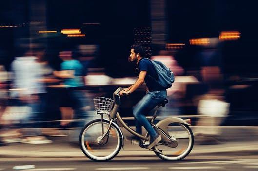 Svårt att hitta tid för träning? Börja med att göra transportsträckan till och från arbetsplatsen till en hälsokur.