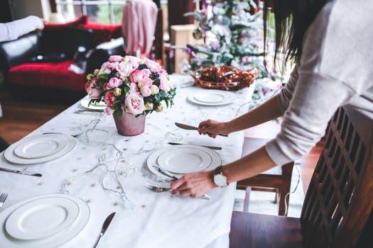 Lev, njut, ät. Låt inte hälsosatsningen radera påskens sista middagsbjudning. Gör istället smartare val!