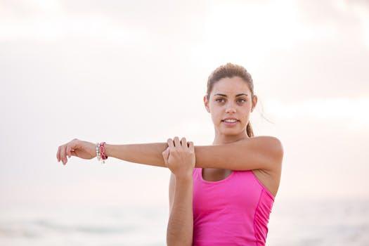 Om tiden är dyrbar och du önskar minimera skaderiskerna - låt några extra arbetsset ersätta träningens efterföljande stretchinslag.