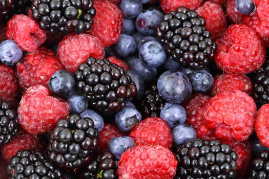 Bär - fullsprängda med antioxidanter och vitaminer. Hörde jag landets nyttigaste glass?