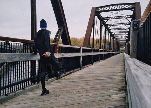 Sist jag sprang (läs: april) kändes milen helt okej. Så jag antar att jag skall börja där igen? Mmmm, låter smart. Verkligen.