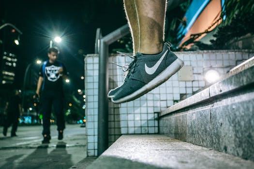 Explosiva träningsformer, hopp och löpning. Hälsporre kan uppstå från mängder av olika aktiviteter - men resan tillbaka behöver inte alltid vara evighetslång.