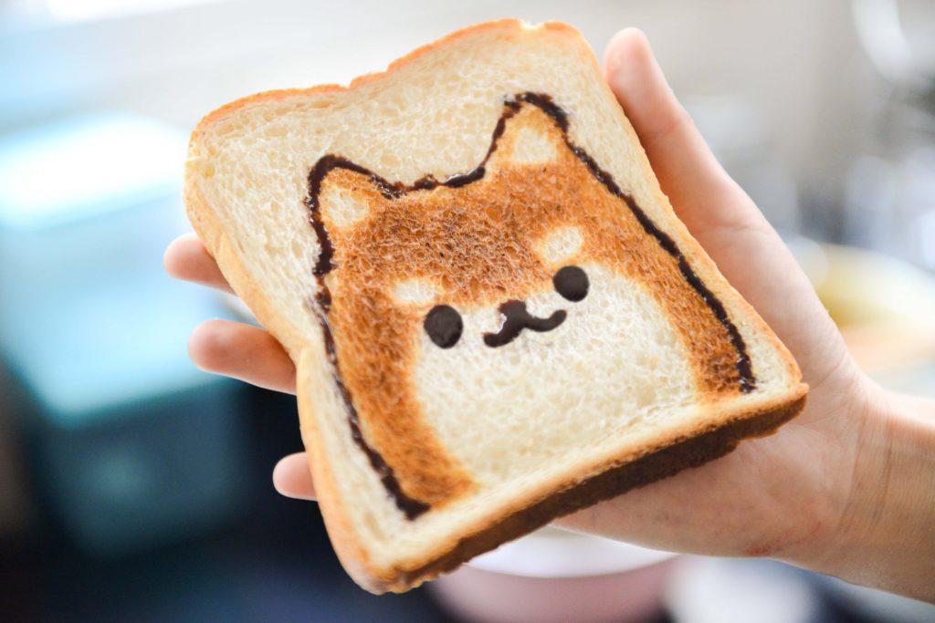 """Få saker kommer i lika många former som våra älskade frukostar. Men hur ser egentligen en """"nyttig"""" start på dagen ut?"""