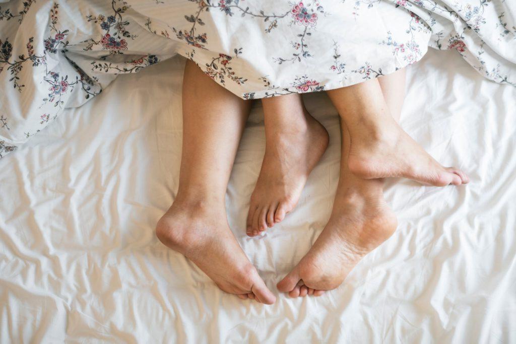 """Tydligen gäller inte bara sänghalmen som """"the place to be"""" när det kommer till några ronders fribrottning längre..."""