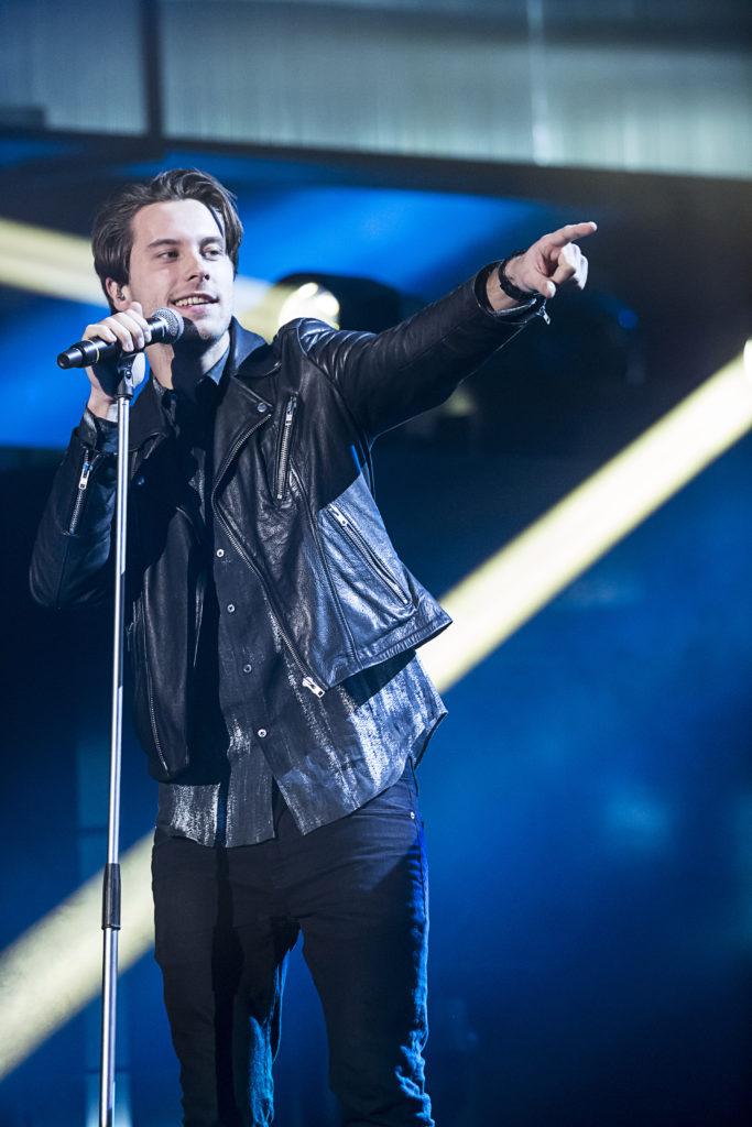 Victor Crone på Melodifestivalens scen 2015 Foto: Magnus Sandberg