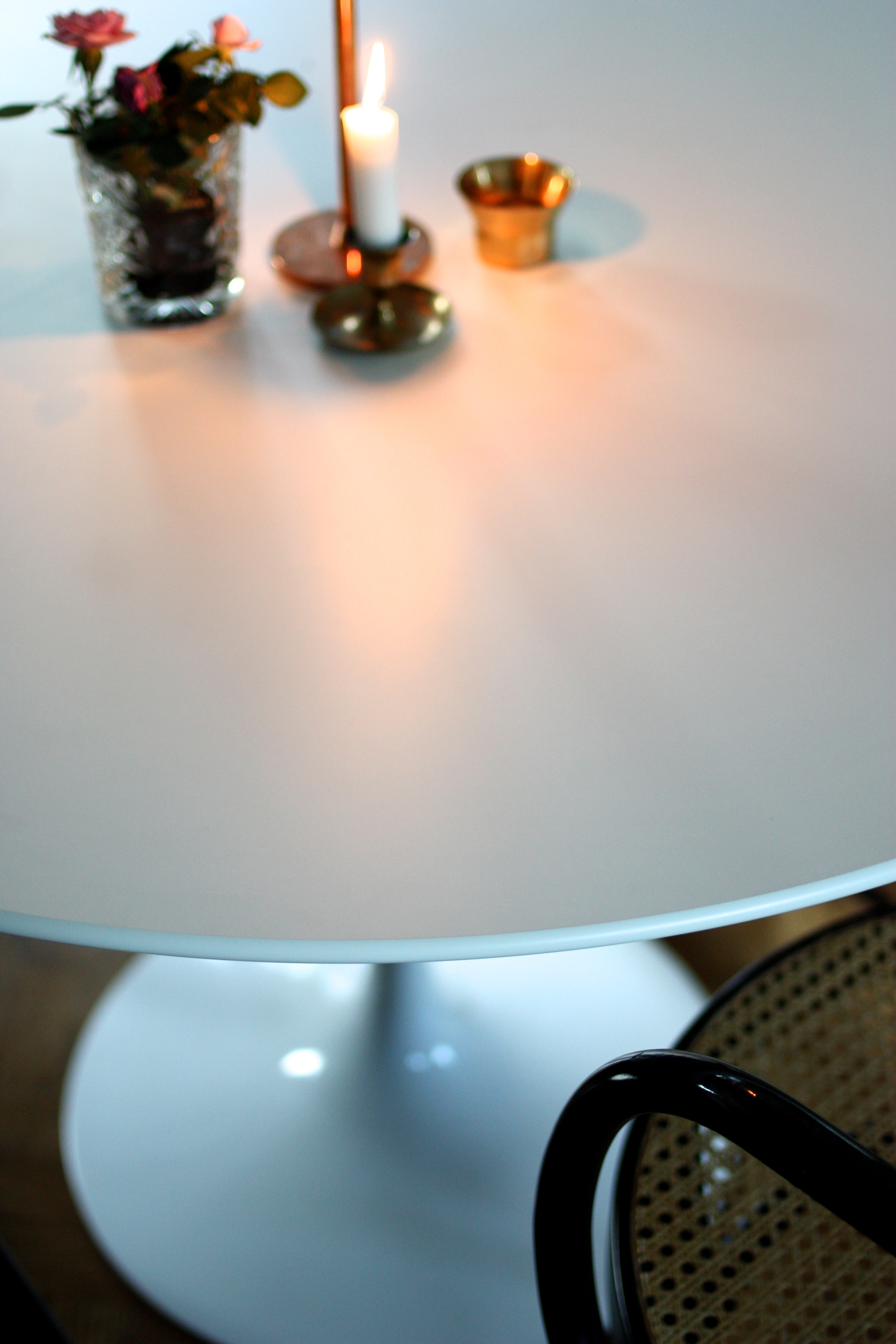 Tulip table   sanna fischer   metro mode