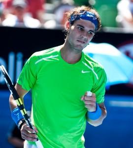 """Rafael Nadal är missnöjd med det blåa """"smurf-gruset""""."""