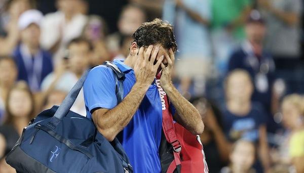 Roger Federers spelmässiga misär fortsätter. FOTO: BILDBYRÅN