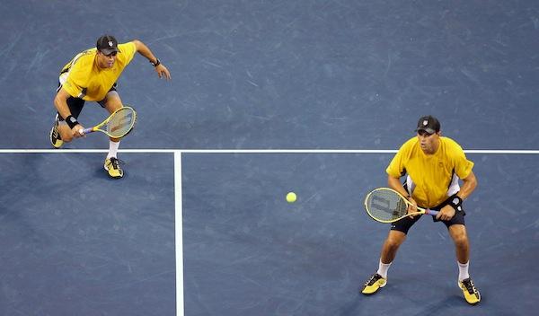 Mike och Bob Bryan hade chansen att bärga en äkta Grand Slam, men åkte ut i semifinalen. FOTO: BILDBYRÅN