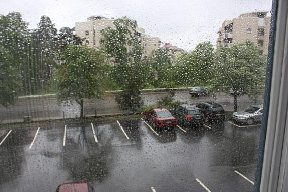 fonster_regn.jpg