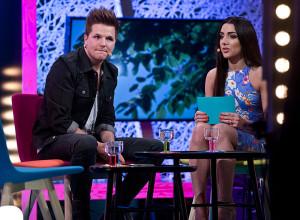 "Robin Stjernberg och Gina Dirawi i ""Live: Studio Eurovision""."