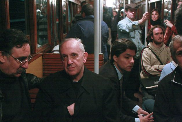 Franciskus på tunnelbanan i Buenos Aires.