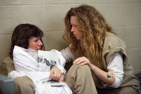 Lorna tröstas av Nicky.