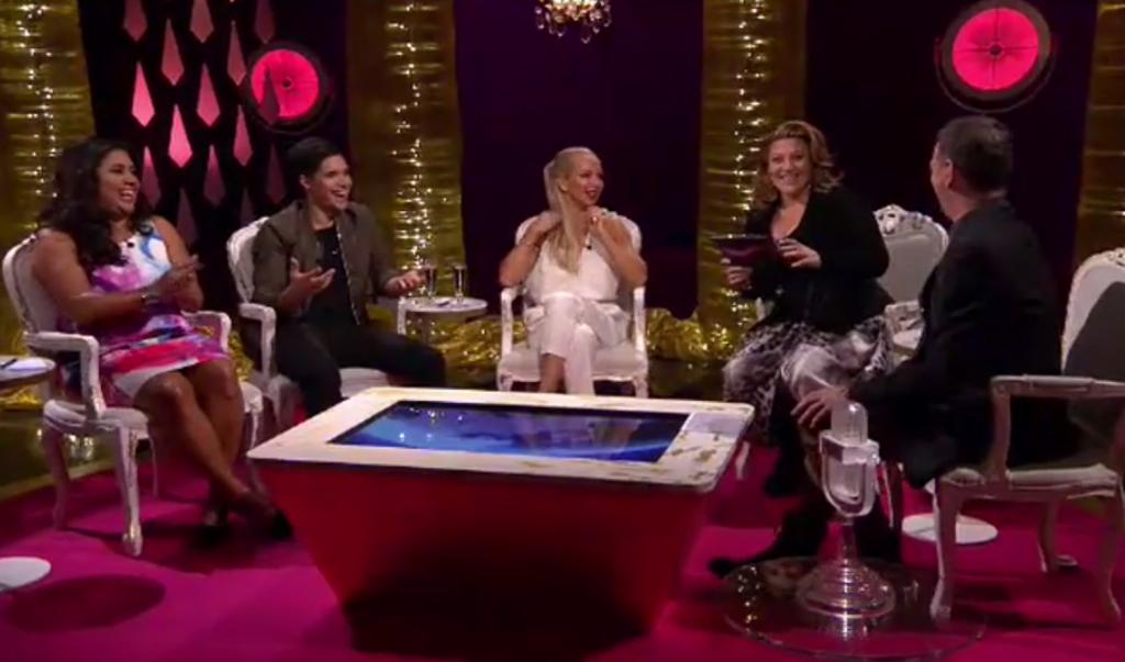 """Reaktionen när Sarah Dawn Finer levererar sin pik mot Eric Saade i """"Inför Eurovision Song Contest"""", SVT1. Foto: SVT"""