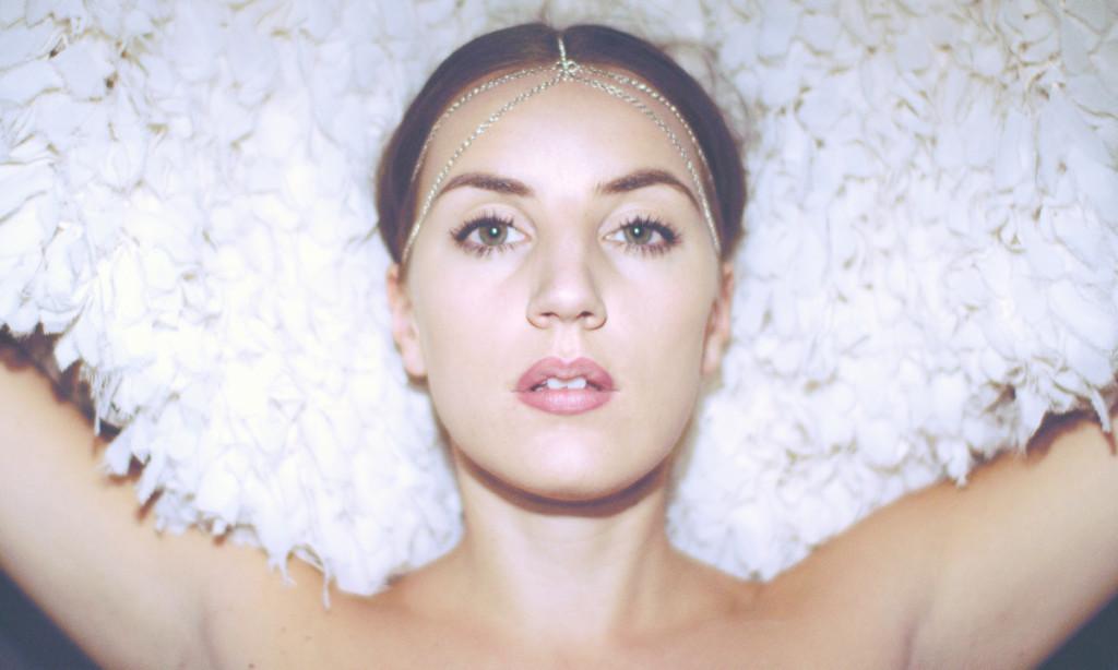 Marlene_feathers