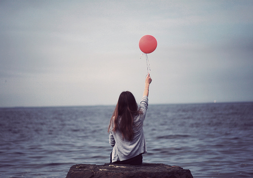 ballon-balloon-brown-girl-Favim.com-488390
