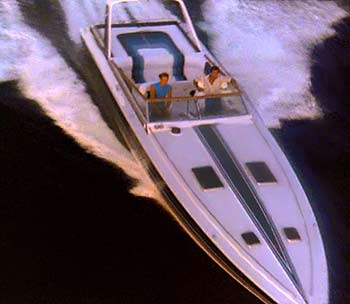 miami_vice_1983_chris_craft_stinger1.jpg